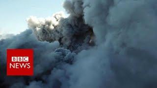 Japan volcano: Mount Shinmoedake spews ash - BBC News