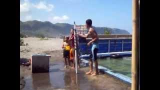 mandi di Pantai Parangtritis