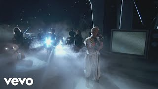 """P!nk - """"What About Us"""", """"Raise Your Glass"""", & More! (2017 MTV VMAs)"""