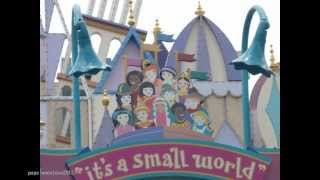 It's a small world, Hong Kong Disneyland. 香港迪士尼樂園的小小世界.
