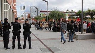 'Rodea el Ayuntamiento' por la readmisión de Carlos Arias
