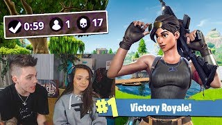 TEACHING MY LITTLE SISTER HOW TO PLAY FORTNITE...