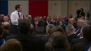 Macron à Souillac (Lot) à la rencontre de 600 maires d