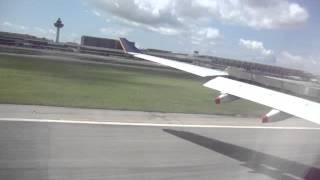 MOV02475.MPG الهبوط في مطار سنغاقورة بكمرتي الخاصة