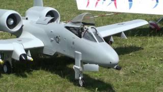A-10 Thunderbolt 2 Petit Gros Scale model RC plane Full HD  IMAA IMC à La Ferté-Alais LFTA 2010
