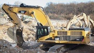 Caterpillar 385 C LME verfüllt nach Abbruch einen Keller mit Sand / Cat 385 C LME digging sand (HD)