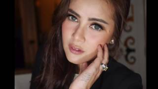 Top 10 Most Beautiful Indonesian Womens
