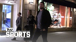 Kevin Love Tests Out Post-Surgery Knee Hits NYC With Model GF | TMZ Sports