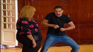 تياترو مصر - عمرو عمروسي وهو يؤدي مشهد كوميدي