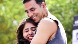 Akshay Kumar - Makes Delhi Girls Cry | Naam Shabana Full Movie Promotion | Akshay Kumar New Movies