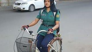 ঢাকার যে নারী পুলিশ সামাজিক মাধ্যমে ভাইরাল ! Latest hit bangla news !