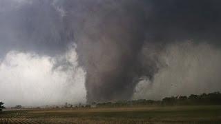 Bhoat Bada Toofan[Tornado] America mei (Urdu/Hindi)