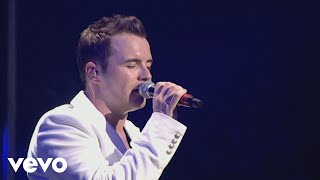 Westlife - You Raise Me Up (Live At Wembley '06)