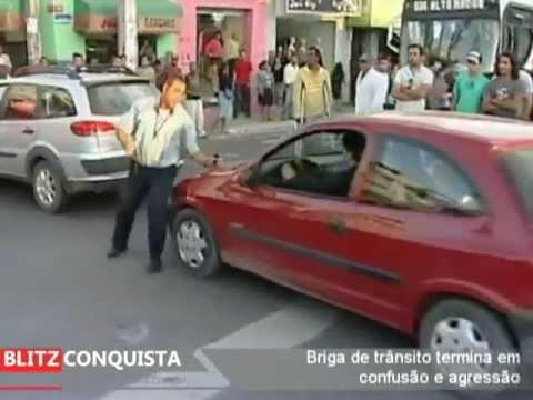 Briga de trânsito bate boca termina em agressão
