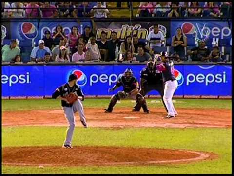 Caracas Magallanes 21 10 2014 Último out del juego LVBP 2014 2015.