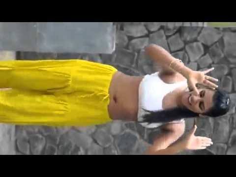 Indian Desi College girl hot dance mms leaked in bra and salwar
