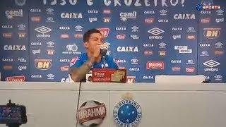 """Lucas Romero cantando """"ô novinha eu quero que te ver contente""""  kkkkkkkkk"""
