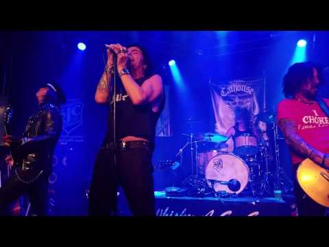 LA Gun's Phil Lewis and Tracii Guns - Over the Edge (Whisky A Go-Go in Hollywood, CA 10/6/2016