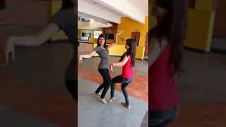 Desi ladki dance on bhojpuri song