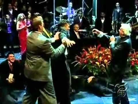 Benny Hinn Increíble demostración del poder de DIOS