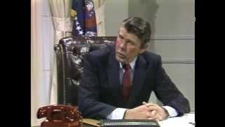 """Johnny Carson as Reagan, a """"Who"""