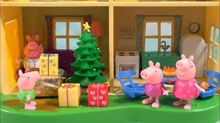 Peppa Pig: Peppa Pig Happy Family and Friends Christmas Story with Presents and Pajamas