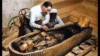"""20 """" صورة نادرة """" تم التقاطها لحظة أكتشاف الفرعون توت عنخ آمون والكنوز التي معه"""