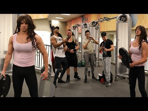GOING TO THE GYM DRESSED AS A GIRL