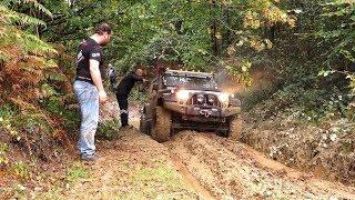 Jeep Wrangler JK vs Land Rover