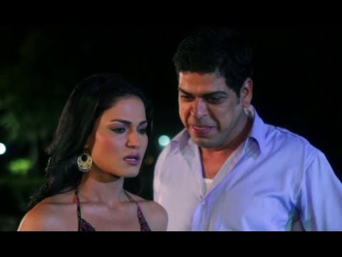 Xxx Mp4 Veena Malik Likes Drunk Inspector Zindagi 50 50 3gp Sex