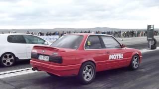 BMW E30 2.5i vs GOLF GTI