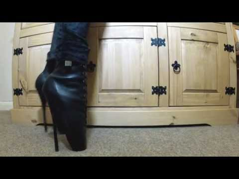 extreme heels 01 Ballet boots and hobble skirt