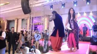 arsh mohammed performing damadam mast kalander  chap tilak and yaar fakiri mein(kabir cafe)
