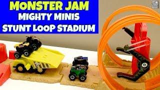MIGHTY MINIS STUNT LOOP STADIUM Monster Jam Grave Digger Monster Mutt