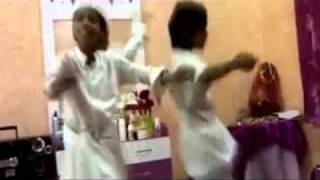 رقص سعوديين ورعان استهبال Snap: S3d_z