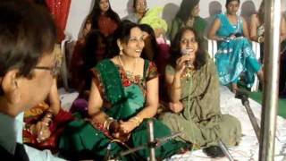 Preeti Tahil sings