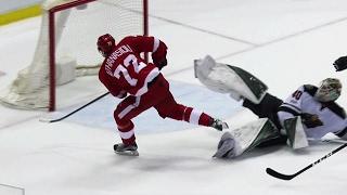 Athanasiou fakes Dubnyk dodges poke check, scores