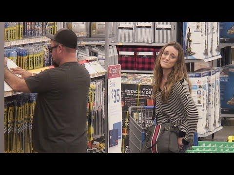 Ellen s Writers Talk to Walmart Shoppers Using Only Song Lyrics