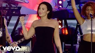 Demi Lovato - Cool for the Summer (Demi Live in Brazil)
