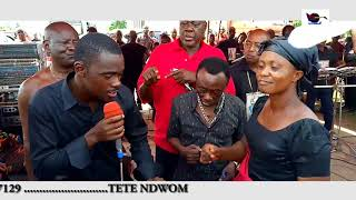 Ben performed Onyun Adwo while J A Adofo dance with him @Mr Ampadu's Funeral
