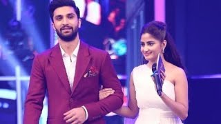 Couple Ahad Raza Mir & Sajal Aly Looking Lovely At Q Mobile Hum Style Awards 2017 | Have A Look