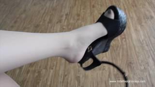 POV Nylons Platforms Dangling - Black Nails -