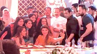 INSIDE Video: Baba Siddiqui Iftaar Party 2018-Salman Khan,Jacquiline Fernandez-Race 3