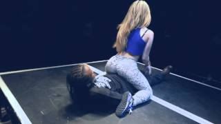 Blonde Girl Surprises Crowd With Miley Cyrus Twerk At Booty Shaking Contest! cool shake cool girl