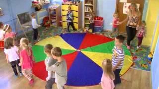 Zabawy z chustą animacyjną w Przedszkolu