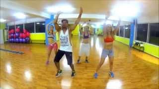 Shakira - La La La (Brazil 2014) ft. Carlinhos Brown by Saer Jose