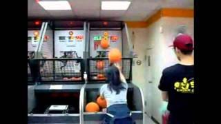 Crazy Asian Girl Pop-a-Shot Arcade Basketball Game Record (114 Made Shots in a Row)