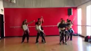 Daddy Yankee 'La Noche de los Dos' Music Video Dance