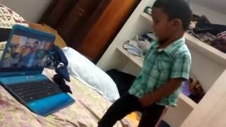 Youngest Vijay Fan - Toddler dancing for Jithu Jilladi video song from theri