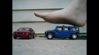 Giant Crushes Mustang and Hummer Barefoot